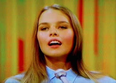 STYLE MUSE: MICHELLE PHILLIPS