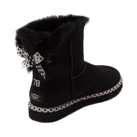 Cute Uggs | All the way together | Pinterest | Snow