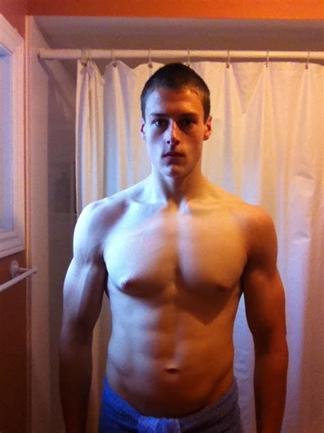 My 4 year transformation! Anorexia -> 30% BF -> Ripped