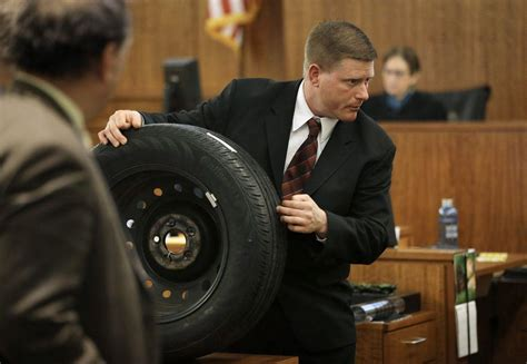 Tire-track analyst takes stand in Hernandez trial - News